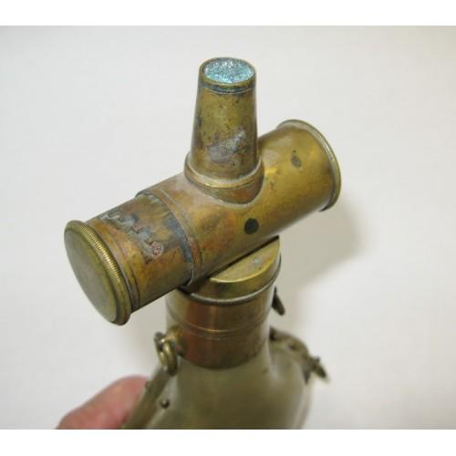 Pulverflasche aus Horn, Österreich um 1850