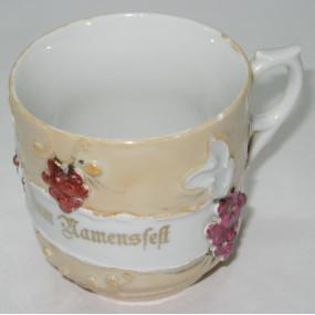 Rosenheferl - Andenkentasse, Zum Namensfest