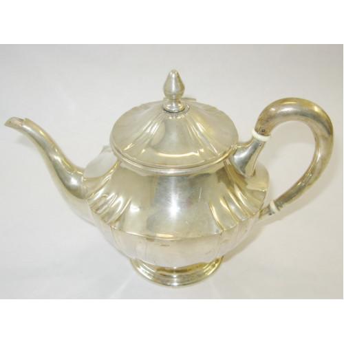 Silber Teekanne und Zuckerdose
