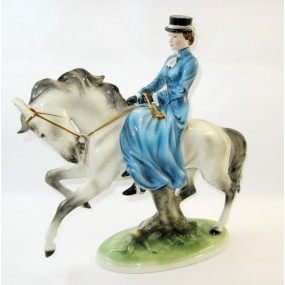 Kaiserin Elisabeth von Österreich - Keramikfigur der Kaiserin zu Pferd