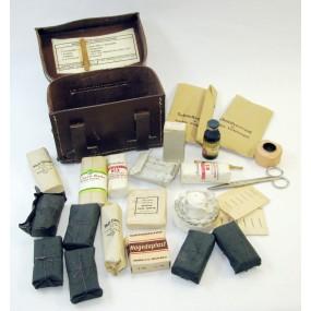 WWII Luftschutz Sanitätstasche mit Inhalt