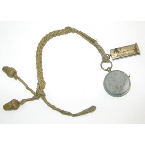 K. u. K. Pfeiferlschnur mit Trillerpfeife und Kompass
