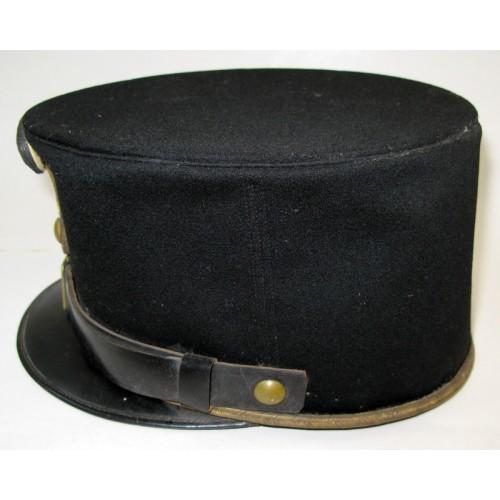 Steife schwarze Kappe für einen Offizier der k. u. k. Armee