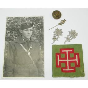 Foto und Effekten eines Österreichischen Jungvolks-Jungen
