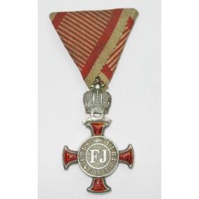 Silbernes Verdienstkreuz mit der Krone