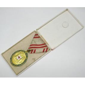 Bronzene Ehrenmedaille vom Roten Kreuz mit KD