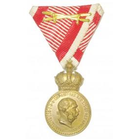 Bronzene Militärverdienstmedaille Signum Laudis FJI. mit Schwerter