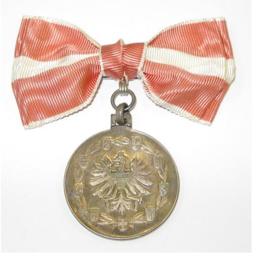 Silberne Medaille für Verdienste um die Republik Österreich