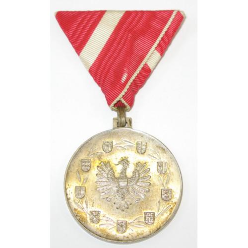 Medaille für Verdienste um die Republik Österreich (1922 - 1934 ) 1.Typ