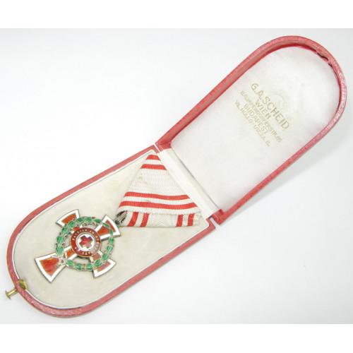 k.u.k. Monarchie Ehrenzeichen vom Roten Kreuz II. Klasse mit KD