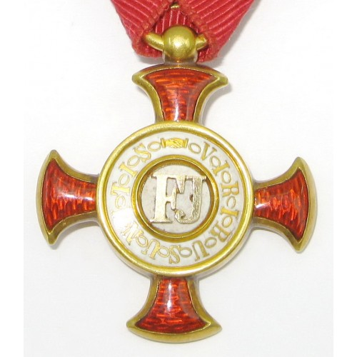 ECHT GOLDENES Verdienstkreuz im Etui