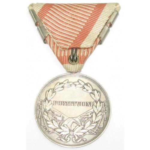 Karl I., Silberne Tapferkeitsmedaille 1. Klasse mit zweifacher Wiederholungsspange