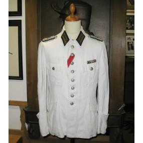 Weißer Sommer-Dienstrock für einen Oberstintendant der Wehrmacht
