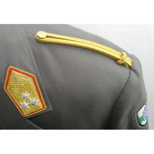 Uniformrock und Hose eines Generalleutnant des österreichischen Bundesheeres der 2. Republik